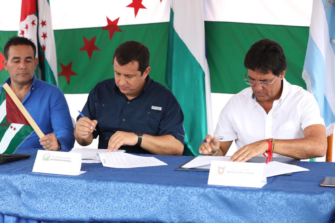 Convenio entre Manabí y Guayas beneficiará a más de medio millón de personas