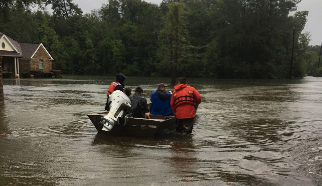 Sube a 5 la cifra de muertos por tormenta Imelda en Texas