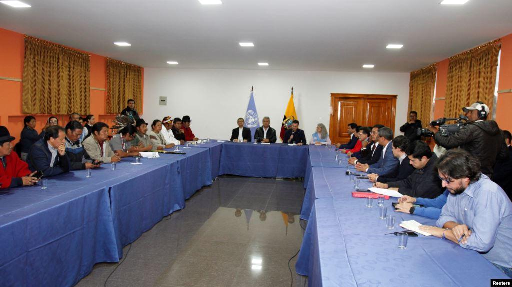 Gobierno de Ecuador deroga polémico decreto y llega a acuerdo con los indígenas