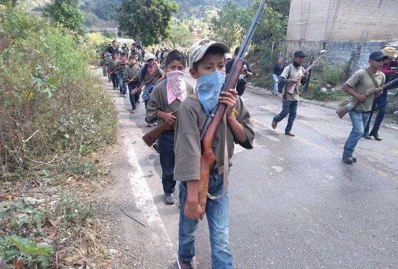 Surge un grupo armado de niños para hacer frente a la violencia en México
